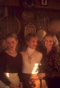 1975_11 Bonnie Black, Lee & Pam