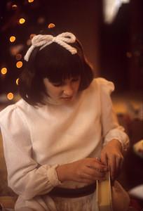 1975-12 Gretchen Schnitzer at Christmas