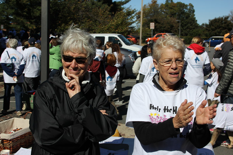 Help Homeless Community Walk-2014-10_7318