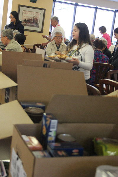 Food-pantry-donations_HWFH_GDD2014_5219