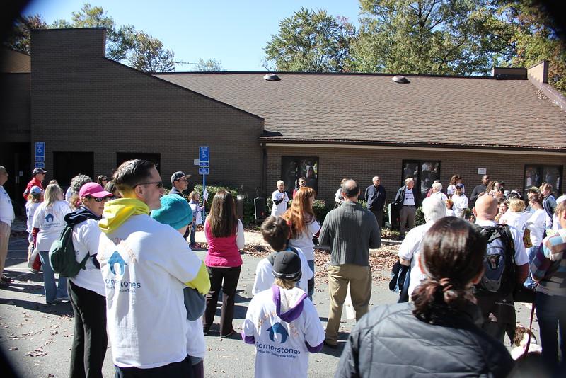 Help Homeless Community Walk-2014-10_7306