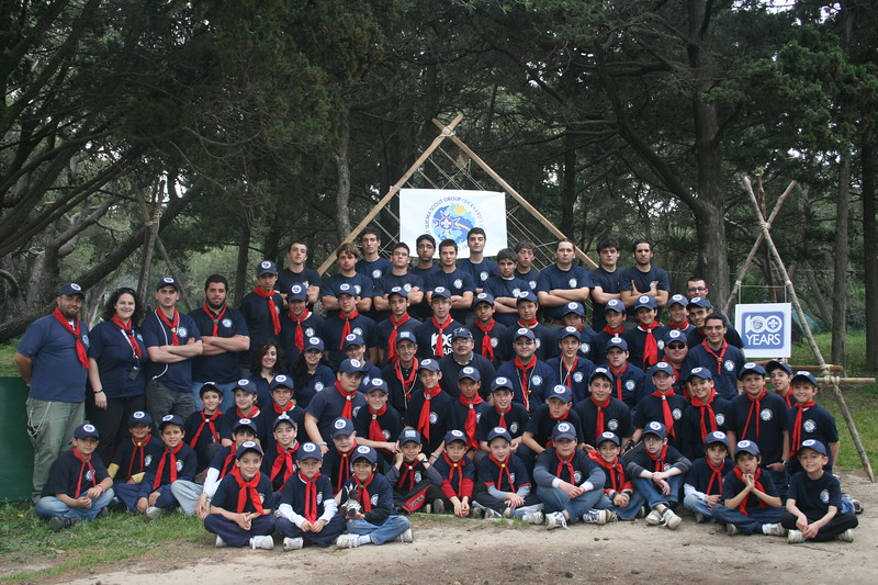 Official 100yr Group Photo at Easter Camp 2009