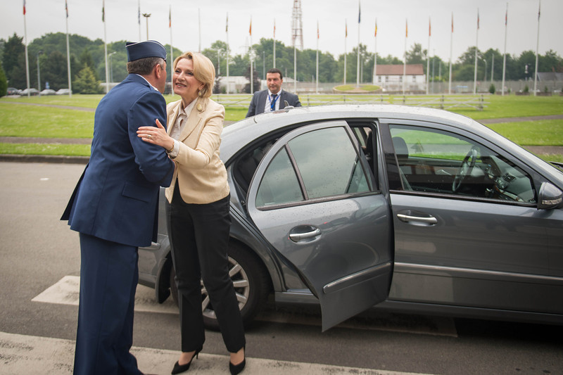 Supreme Allied Commander Europe, General Phil Breedlove, welcomes Albanian Minister of Defence, Mrs. Mimi Kodheli, during the Welcome Ceremony at Supreme Headquarters Allied Power Europe/Belgium on 26. May 2014. (NATO photo by Sgt. Emily Langer/ DEU Army)
