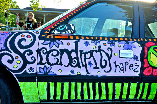 2009-0731_Serendipity_ATreach 13