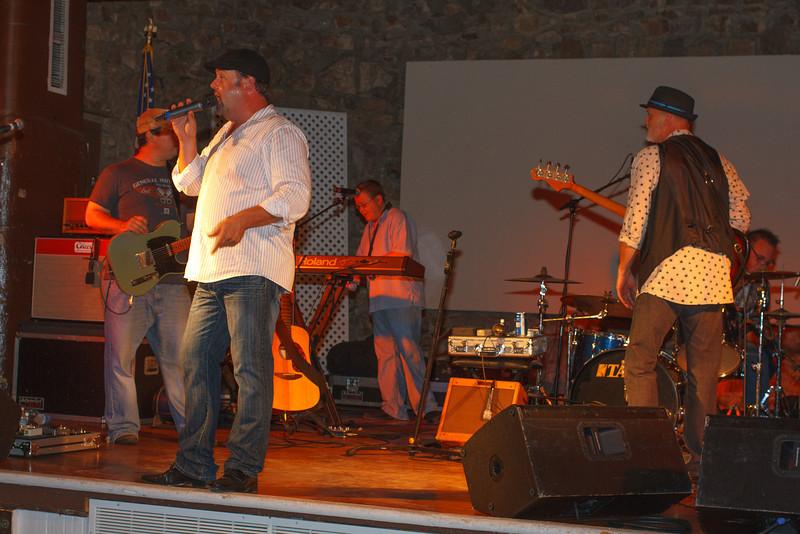 cloe-summer party 2012-1112