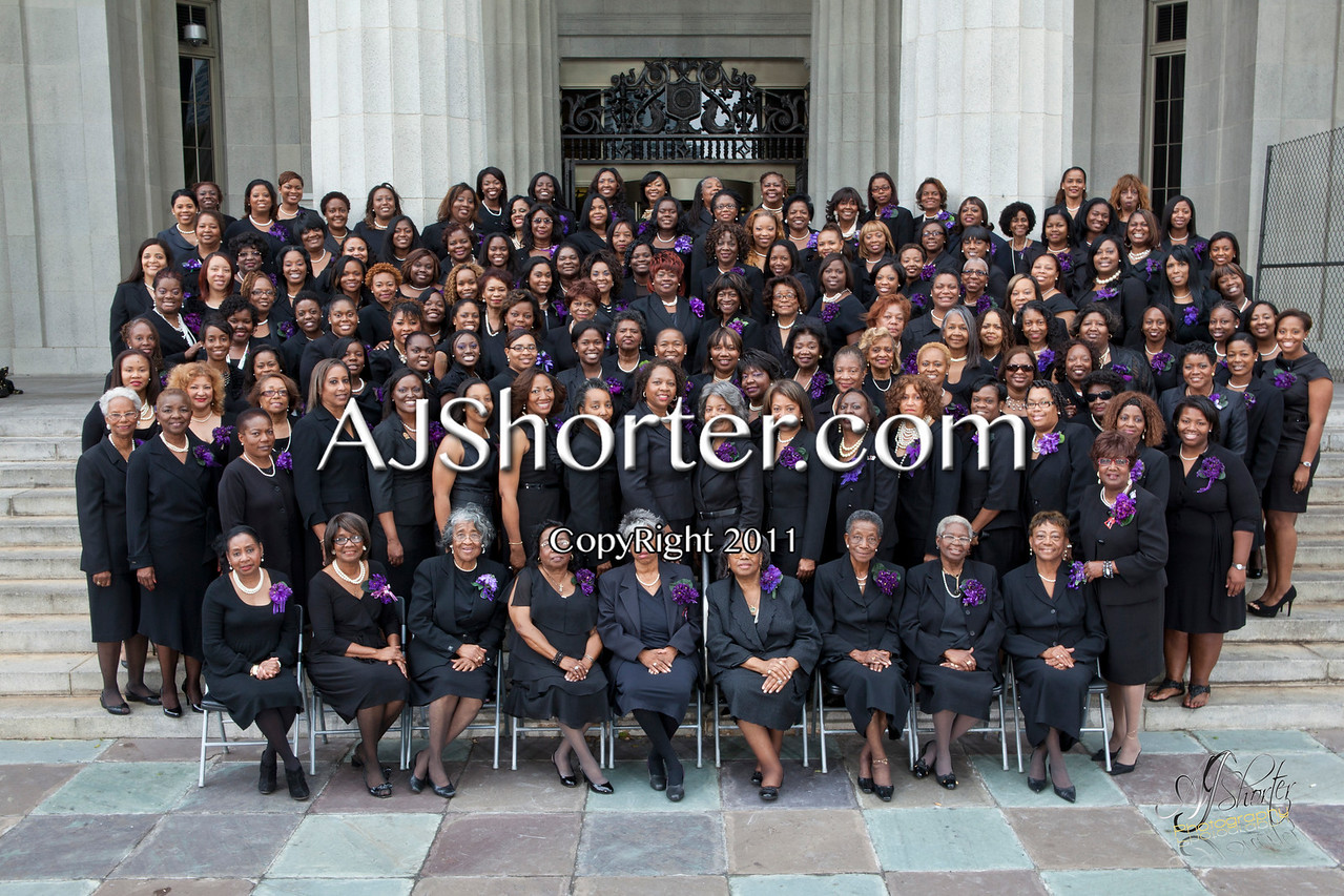 Sorors of the Dade County Alumnae  Chapter of Delta Sigma Theta Sorority, Inc