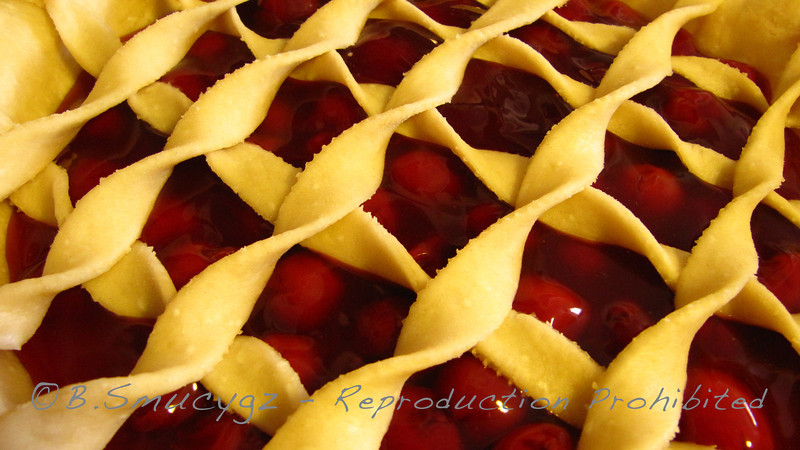 One of my favorite things about the holidays....Mom's cherry pie :o)   Happy Thanksgiving!