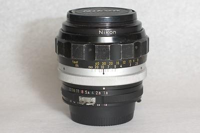 Nikon Nikkor-H 85 mm 1.8