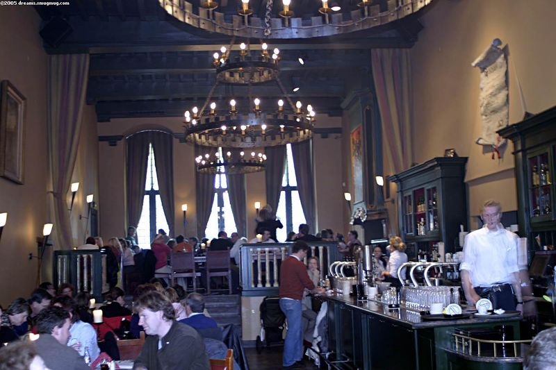 Grand hall in Oudaen