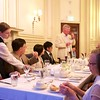 St Botolph Club: Roger Howlett giving toast, head table with Kims