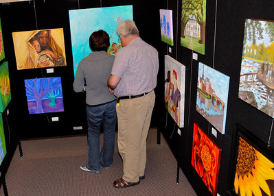 2009-04-02_ARTreach-GalleryNight-Lrg-0615