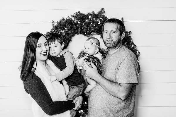 00004-©ADHPhotography2019--BrooklynRandolph--SixMonthAndFamily--December8bw