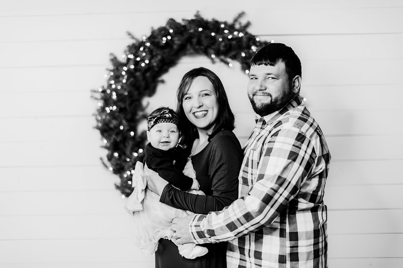 00011-©ADHPhotography2019--DelmaDay--SevenMonthAndFamily--December23bw