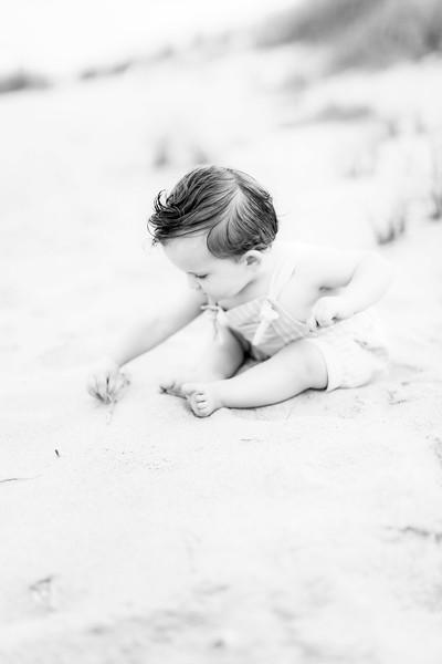 00016-©ADHPhotography2019--EverettGass--BeachBUm--September2