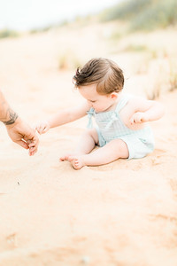00020-©ADHPhotography2019--EverettGass--BeachBUm--September2