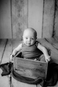 00006©ADHPhotography--JasekHegwood--4Month--June24bw
