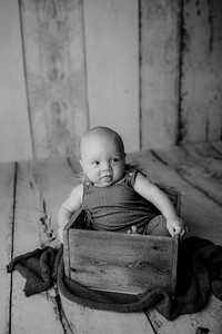 00002©ADHPhotography--JasekHegwood--4Month--June24bw