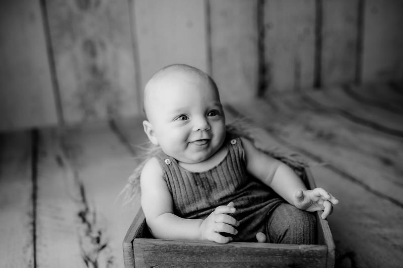 00010©ADHPhotography--JasekHegwood--4Month--June24bw