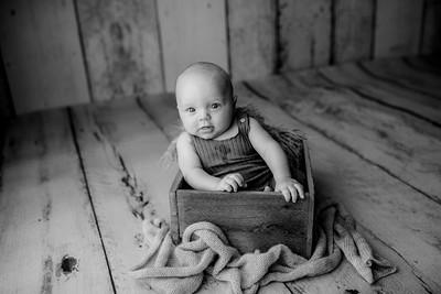 00009©ADHPhotography--JasekHegwood--4Month--June24bw