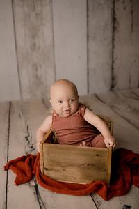 00002©ADHPhotography--JasekHegwood--4Month--June24