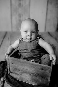 00003©ADHPhotography--JasekHegwood--4Month--June24bw