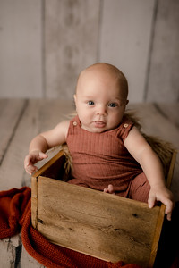 00004©ADHPhotography--JasekHegwood--4Month--June24