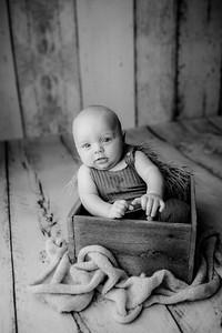 00007©ADHPhotography--JasekHegwood--4Month--June24bw
