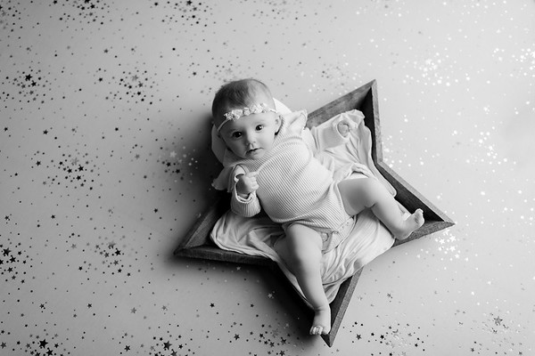 00009©ADHphotography2021--NoraMcConnell--3Month--January27bw