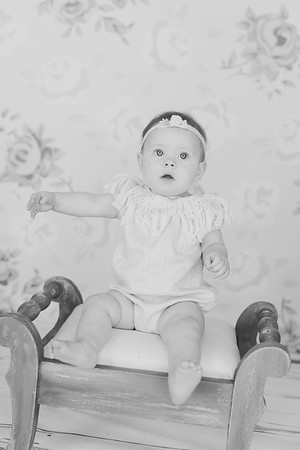 00024--©ADH Photography2017--RubyKennedySixMonth