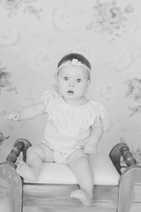 00002--©ADH Photography2017--RubyKennedySixMonth