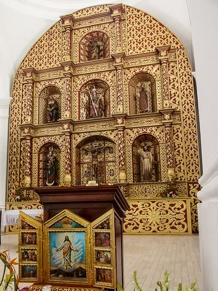 Cathedral Interior Plaza Mayor Santa Cruz Quiche - Altarpiece