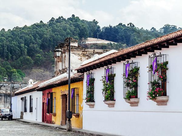 Buildings in Antigua and Hill of the Cross (Cerro de la Cruz)