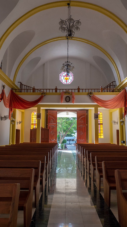 Flores Guatemala: Inside the Cathedral