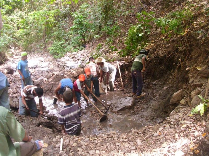 digging-catchment-tank.jpg
