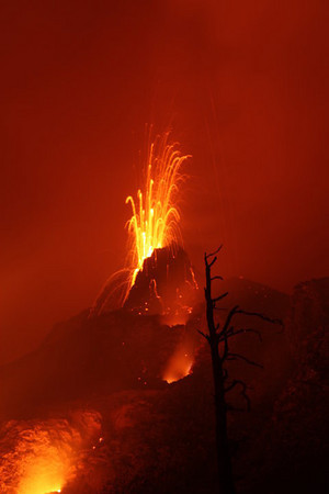 New lava dome on Pacaya - photo by Nick Weaver