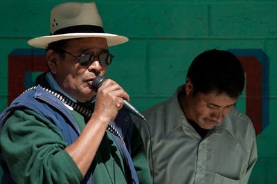 Community leader Manuel Vail addresses voters in the community of El Plan.