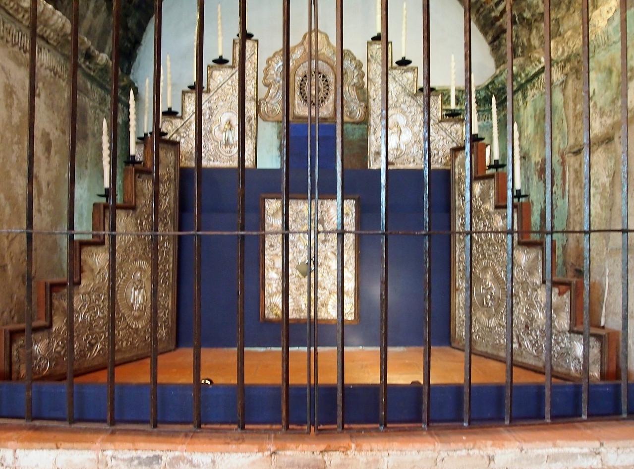 Silver Altarpiece Casa Santo Domingo