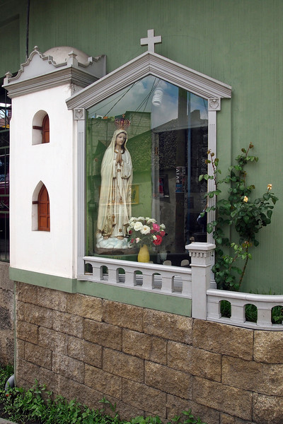 Street-side shrine to the Virgin Mary