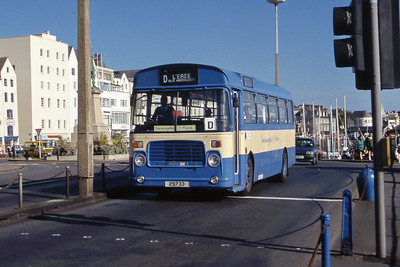 Guernseybus 056 Church Square Peter Port Sep 97