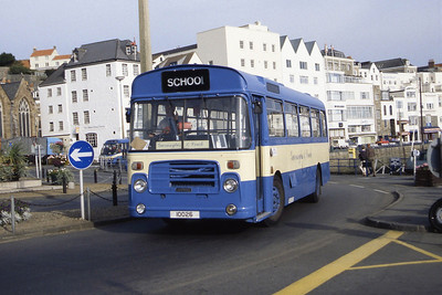 Guernseybus 057 Chuch Square St Peter Port Sep 97