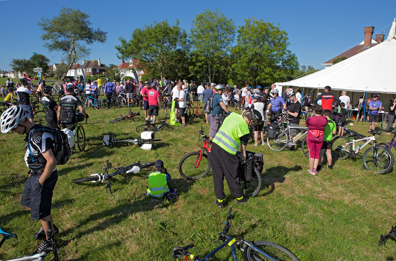 Rock to Rocque Bike Ride registration top of Val des Terres 240515 ©RLLord 2503 smg