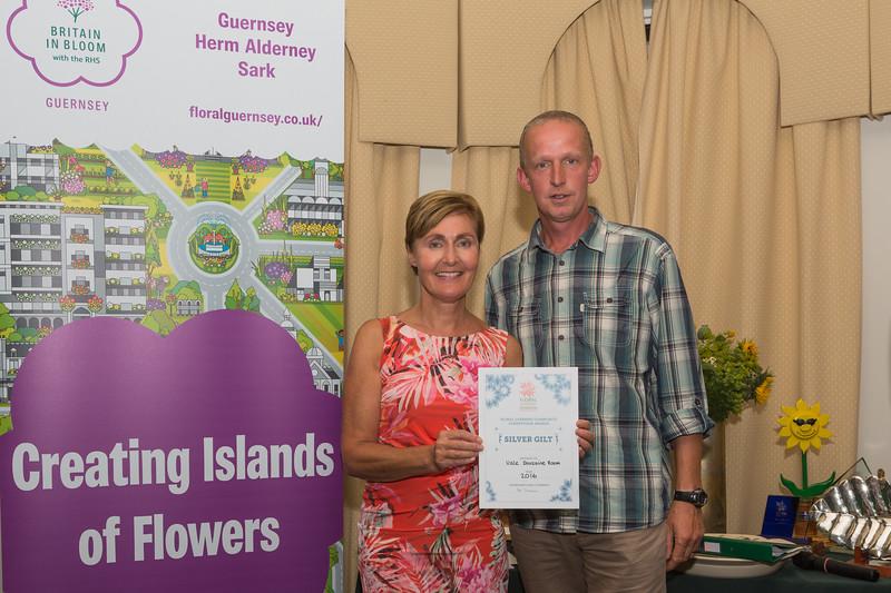 Floral Guernsey Awards Vale Douzaine room Silver Gilt Denise Cohu Brett Moore 080916 ©RLLord 2224 smg