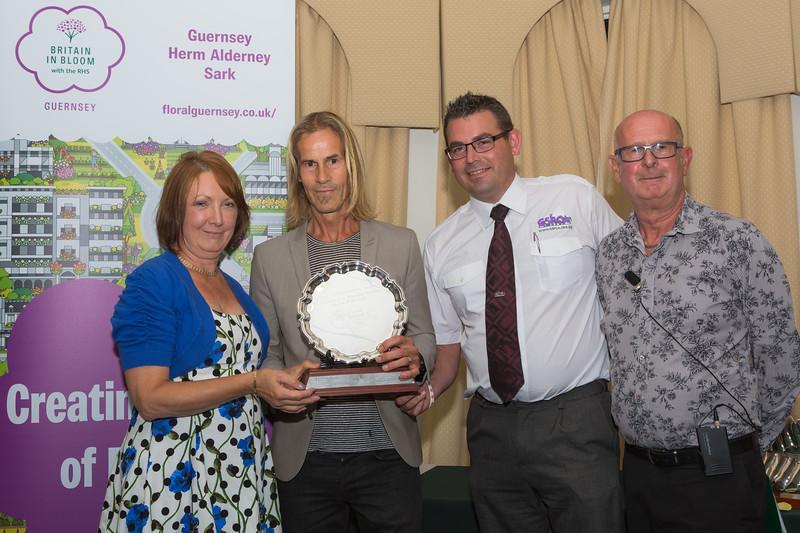 Floral Guernsey Awards Ossie Falla Memorial Award 080916 ©RLLord 2277 smg
