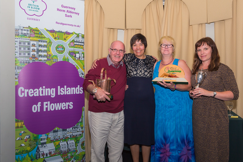 Floral Guernsey Awards Sark Floral Group 080916 ©RLLord 2314 smg
