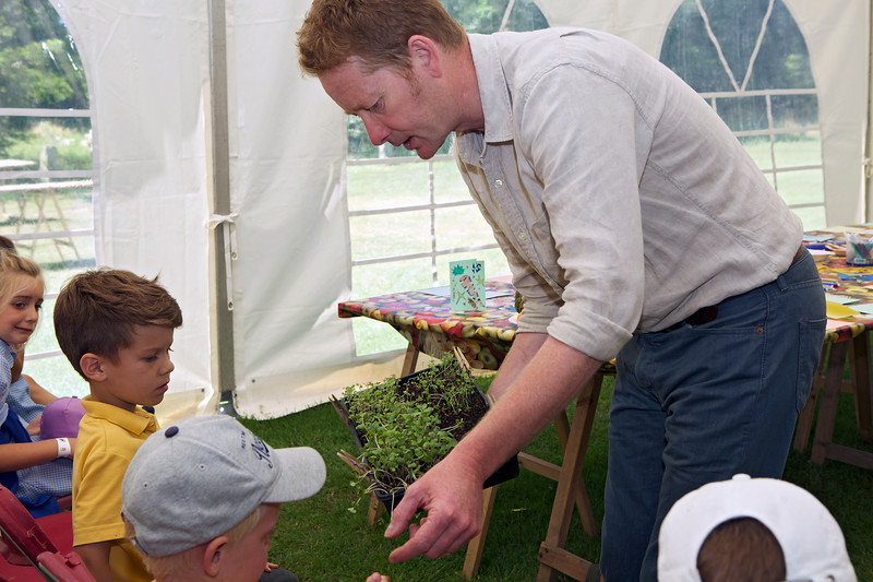 Mark Diacono gives primary school pupils an opportunity to taste radish sprouts