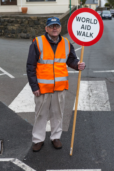 Guernsey World Aid Walk lollipop man crossing guard Vale Avenue  020516 ©RLLord 1300 smg_