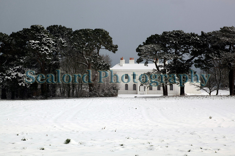 Belvedere House Guernsey in snow ©RLLord 020209 1108 smg