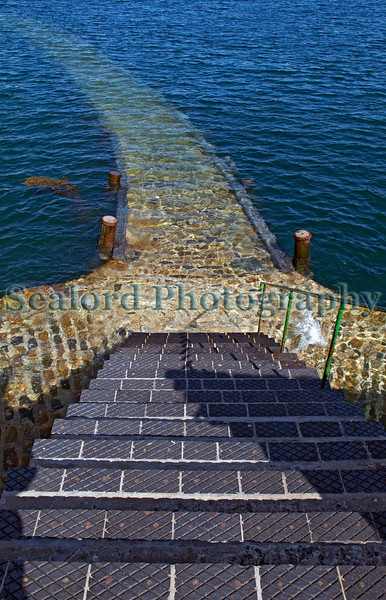 Salerie Corner quay underwater St Peter Port 200511 ©RLLord 7031 smg