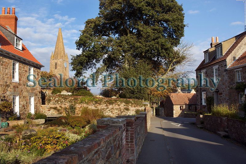 Autumn sunlight St Martin Guernsey 221011 ©RLLord 8102 smg