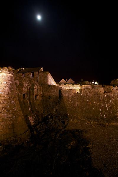 Castle Cornet full moon 110109 675 ©RLLord smg